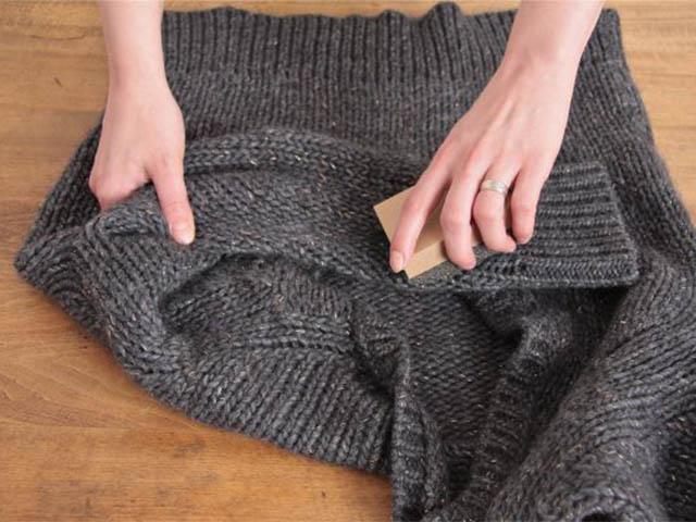 cách vệ sinh quần áo bị dính lông